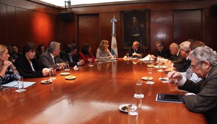 La comisión de salud del Senado de la Nación ya se reunió varias veces por AGNET